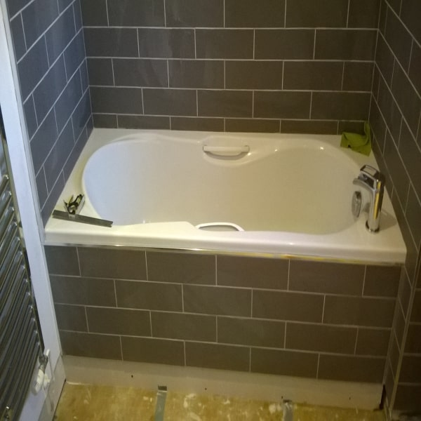 bath fitted in swindon